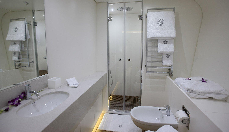 4T0G0187 Bath. Vip