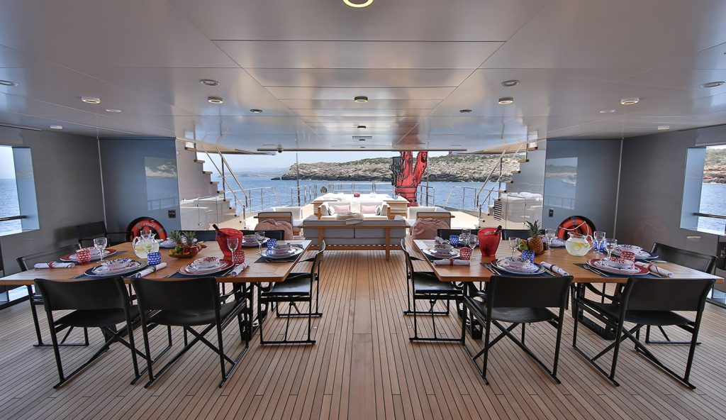 Dining Area Main Deck