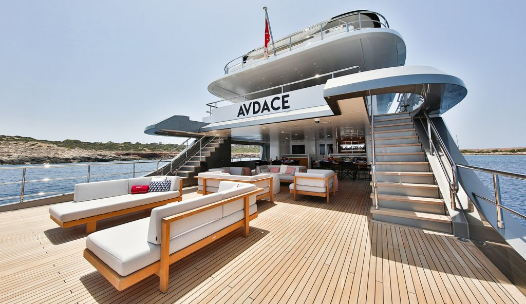 Lounge Area Main Deck