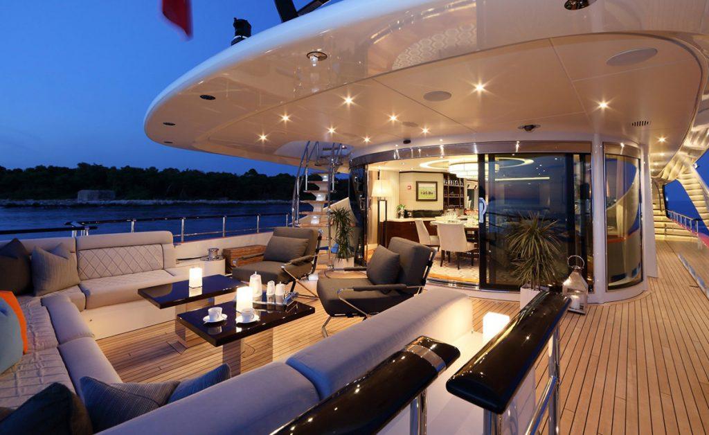 yacht aurelia 161115 exterior 02 582b3c72a8481 v default big