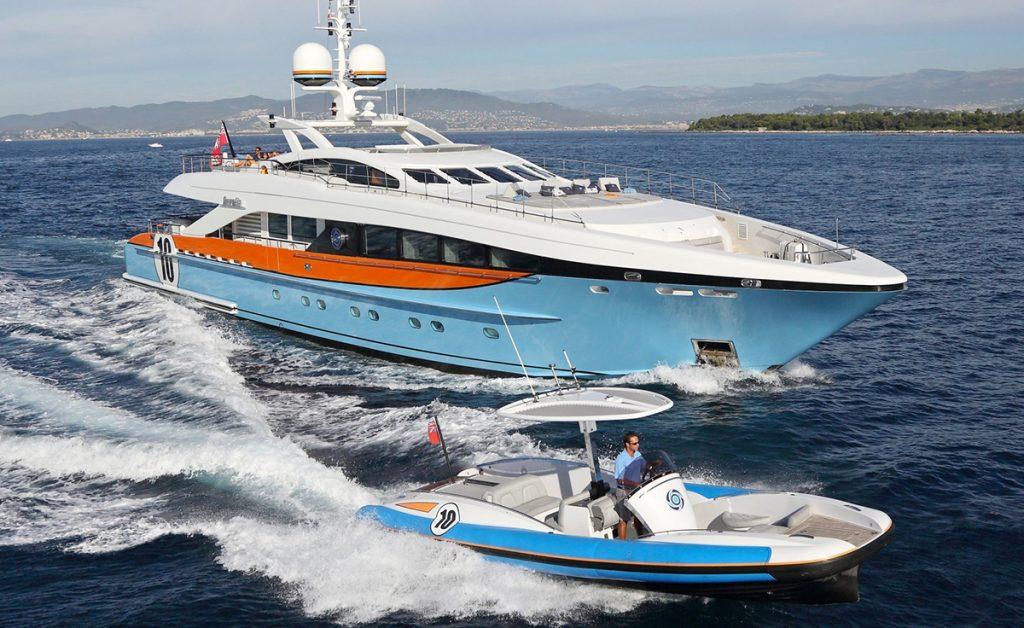 yacht aurelia 161115 running 01 582b3c50ed521 v default big 1