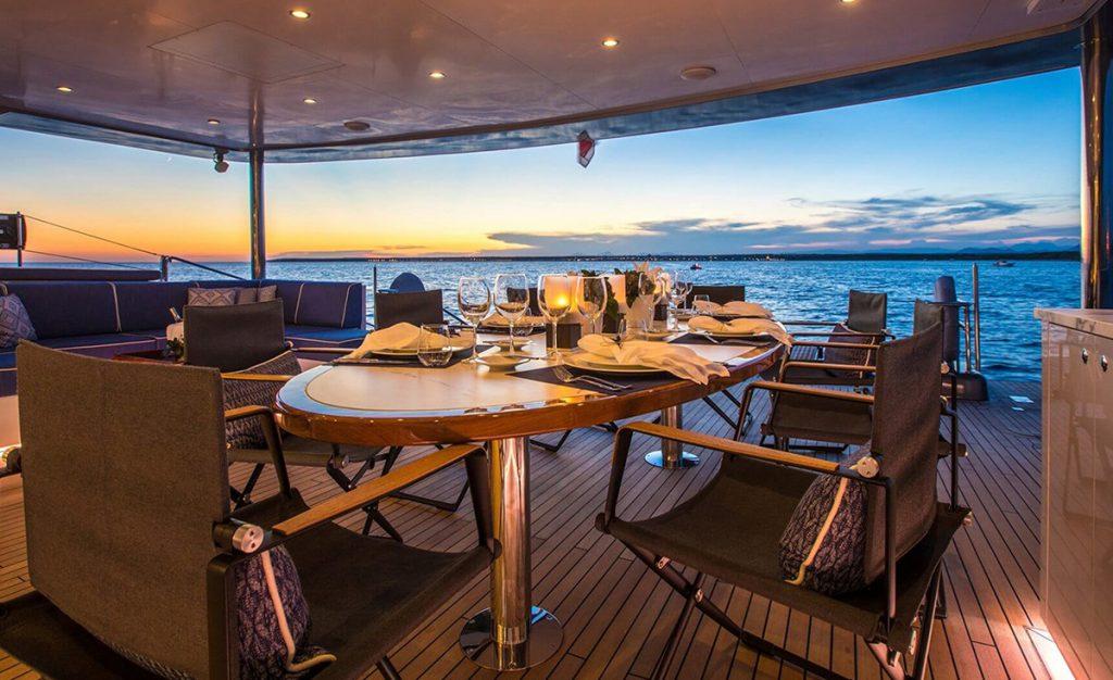 yacht cartouche 201803 exterior 16 5aabcfc674e1d v default big