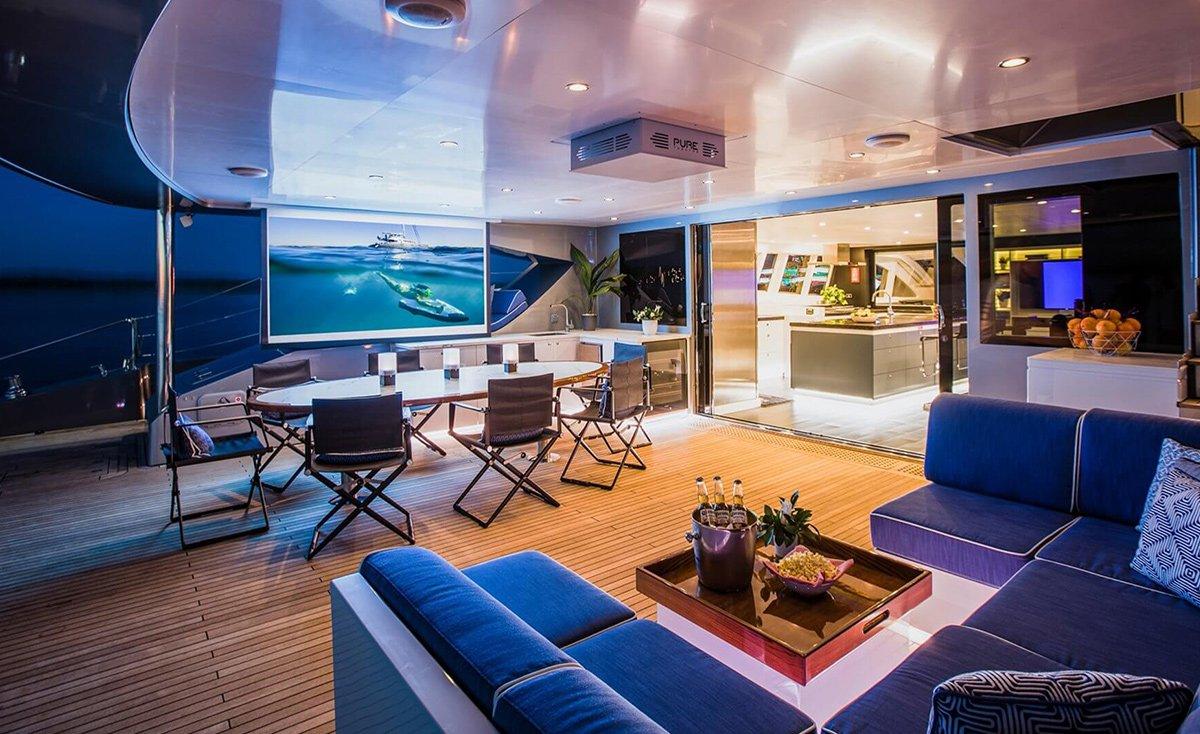 yacht cartouche 201803 exterior 21 5aabcf71a96cf v default big