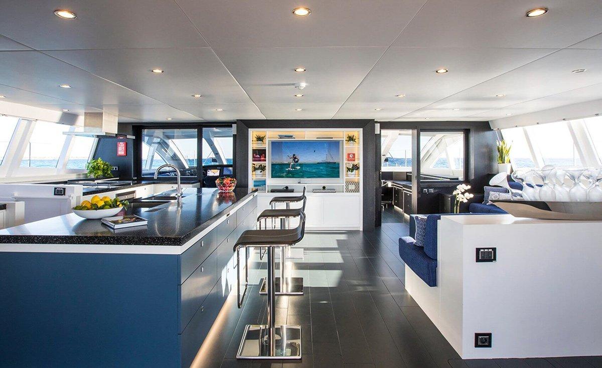 yacht cartouche 201803 interior 10 5aabcb5df0c8a v default big