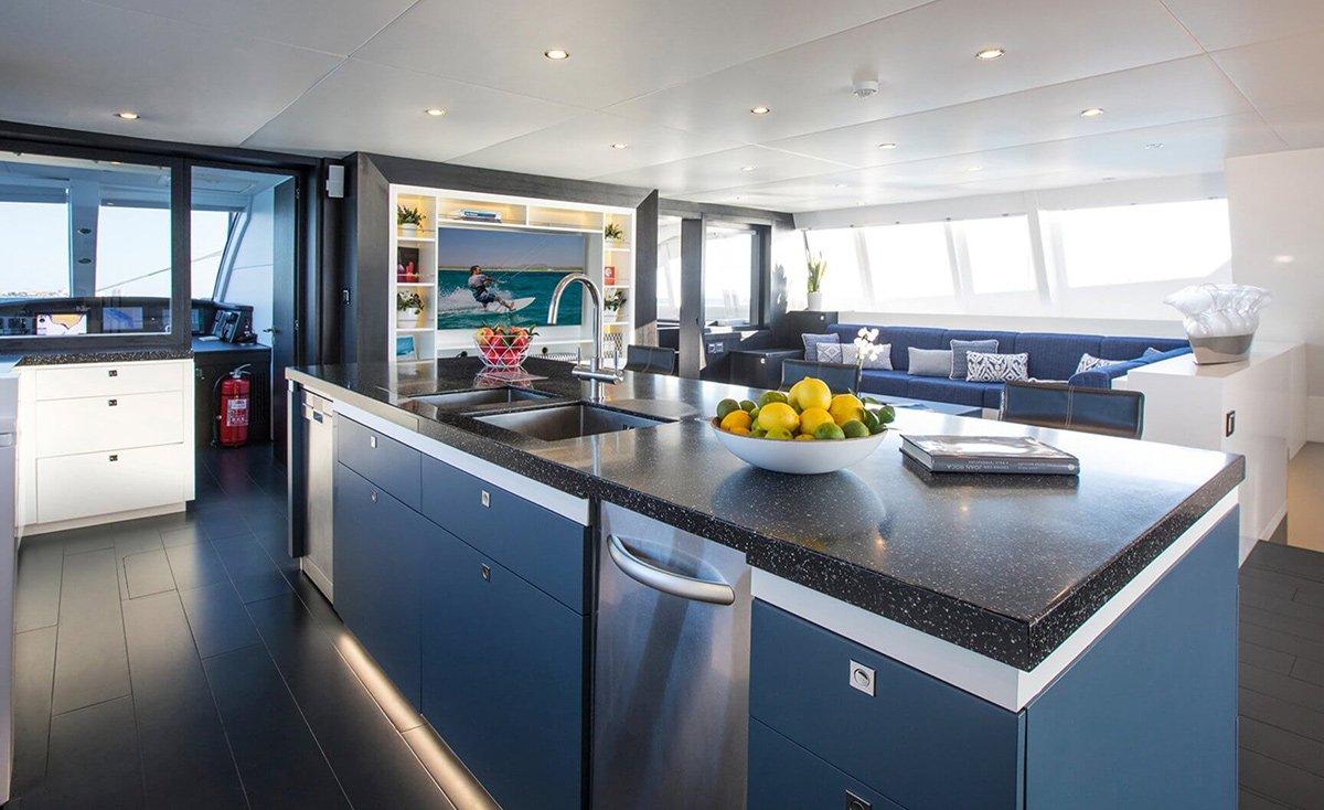 yacht cartouche 201803 interior 11 5aabcb670af73 v default big