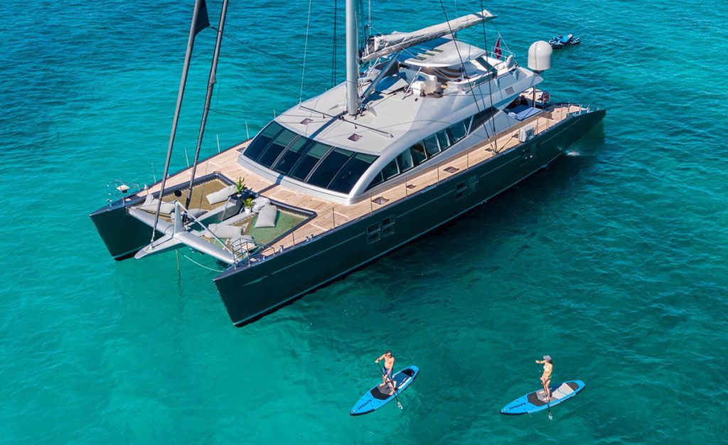 yacht cartouche 201803 profile 01 5aabc5c302fea v default big 1