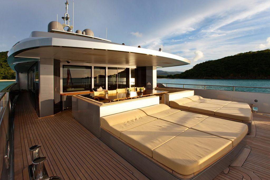 yacht exuma exterior 02 554c4b3d0bfbc v default big