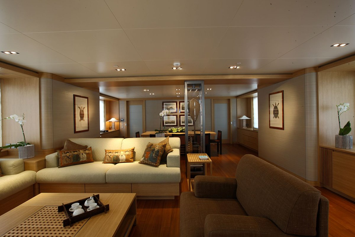 yacht exuma interior 01 554c49e55f528 v default big