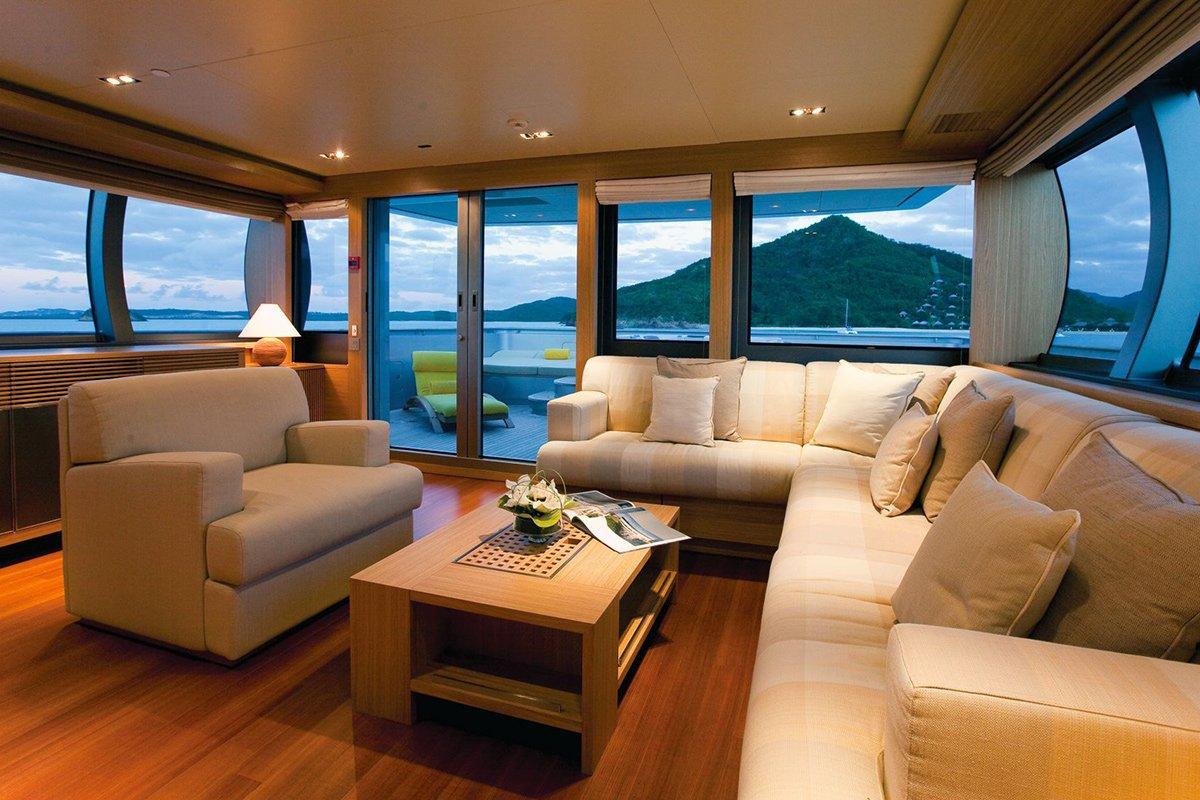 yacht exuma interior 02 554c4af86cda3 v default big