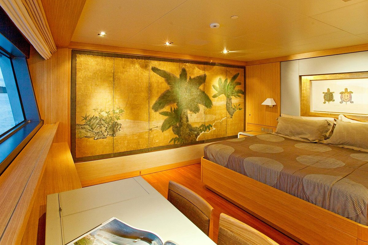 yacht exuma interior 05 554c4a4bd5d9f v default big