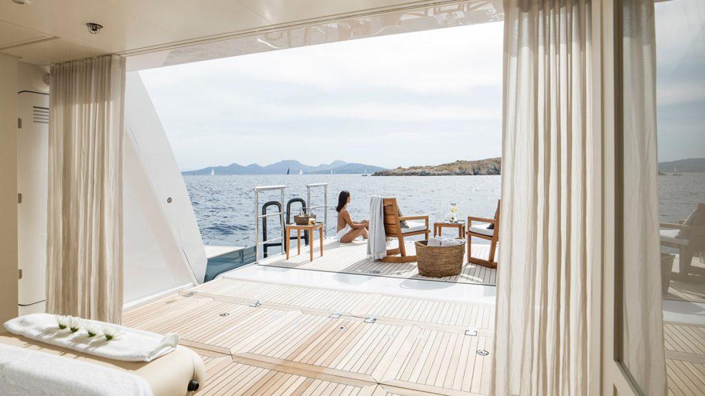 yacht irisha heesen 201810 interior 07 5bc73a3560a13 v default big