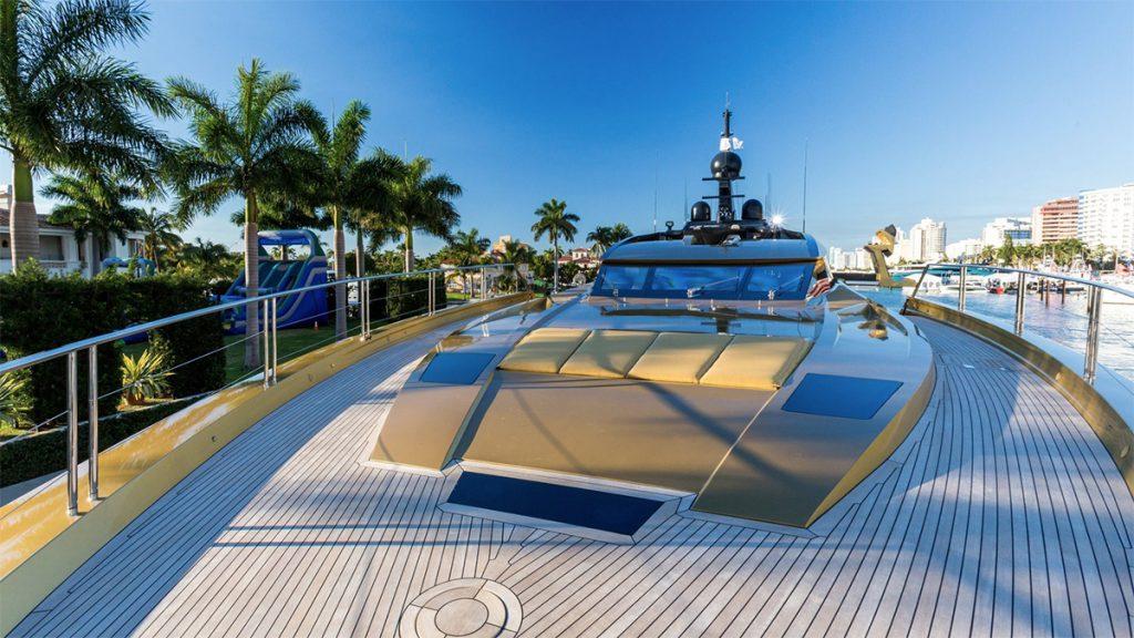 yacht khalilah 201802 exterior 01 5a79cf1fdd86b v default big