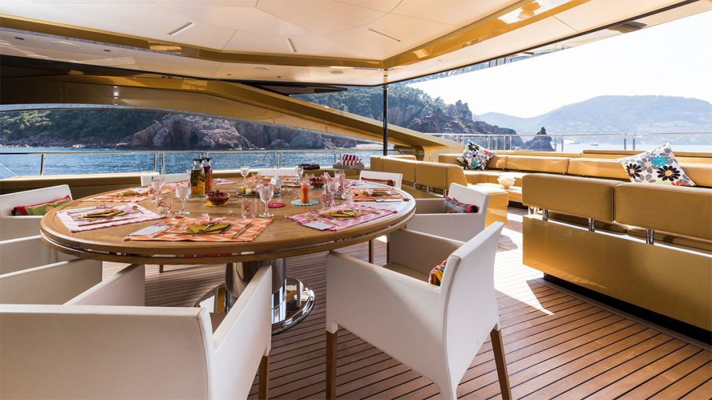 yacht khalilah 201802 exterior 02 5a79cd8151a41 v default big