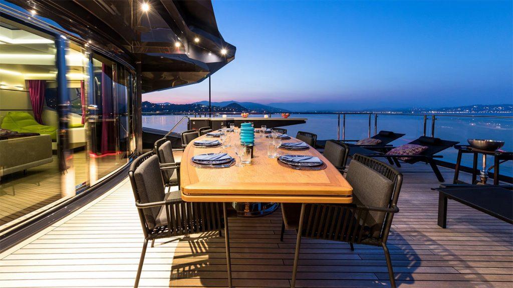 yacht khalilah 201802 exterior 03 5a79cd6e0c6b5 v default big 1