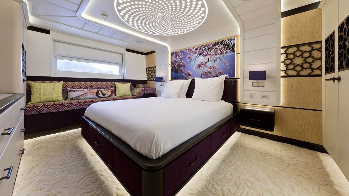 yacht khalilah 201802 interior 05 5a79cd1949c76 v default big