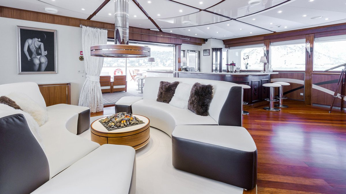 yacht legend 201611 interior 09 583d4ae0f304a v default big