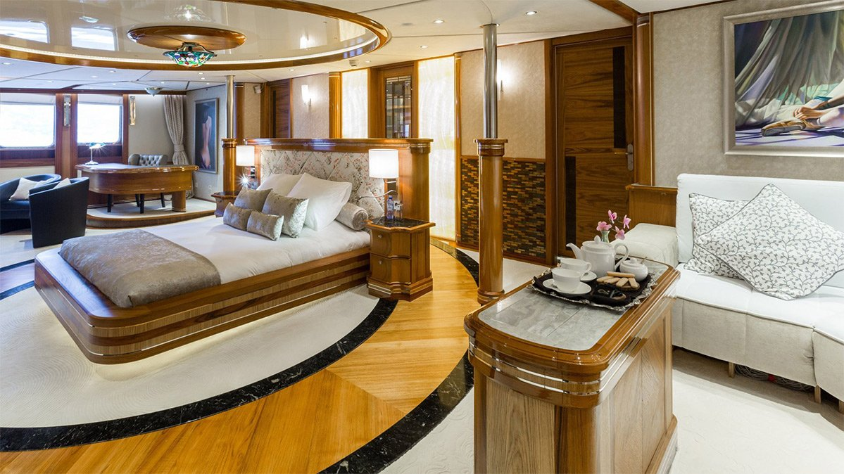 yacht legend 201611 interior 11 583d4b08eeebb v default big