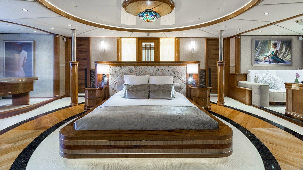 yacht legend 201611 interior 12 583d4b0e97fb1 v default big