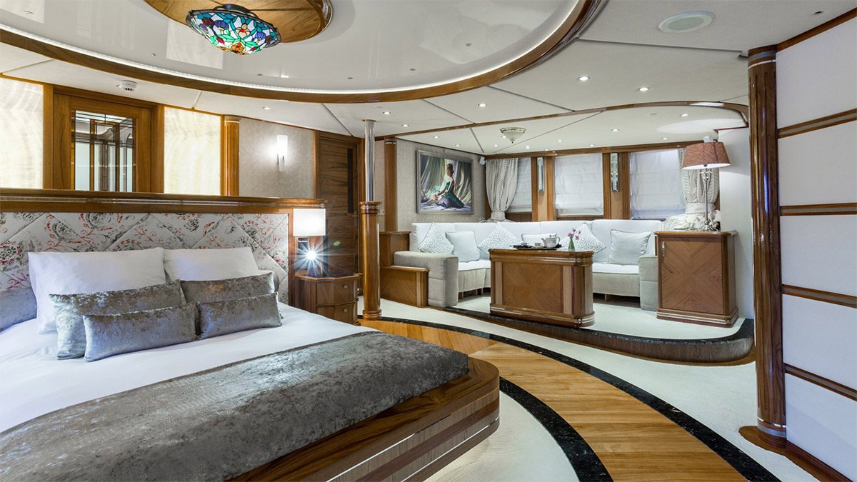 yacht legend 201611 interior 13 583d4b3a9f965 v default big