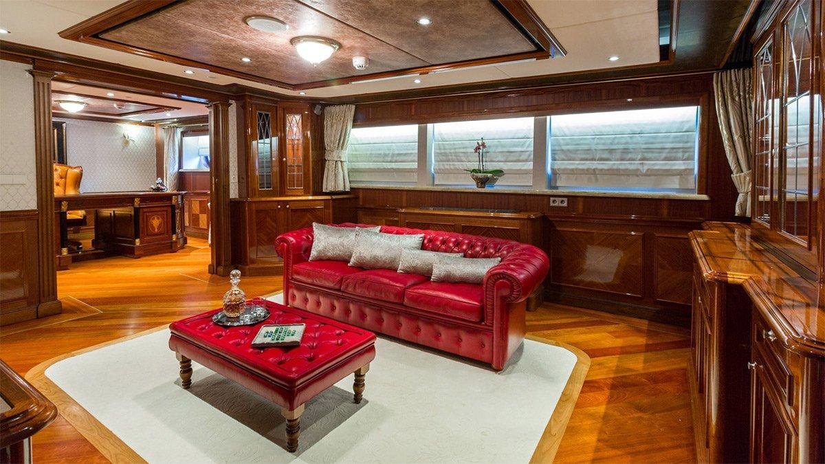 yacht legend 201611 interior 16 583d4b758a2f4 v default big