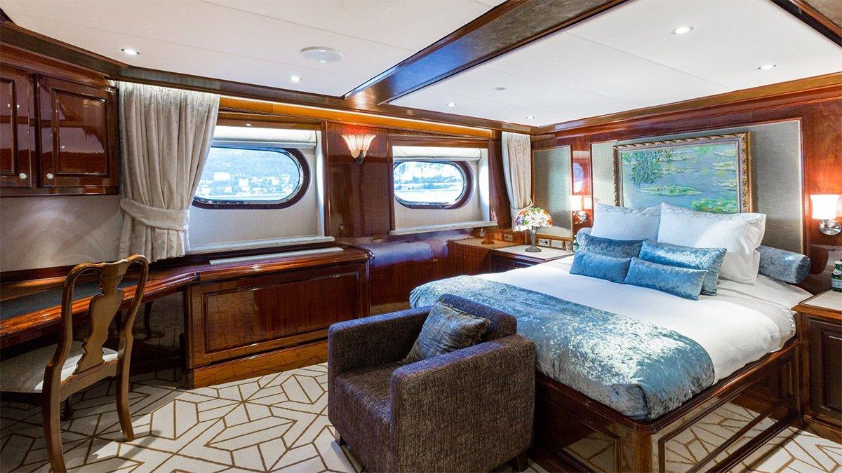 yacht legend 201611 interior 19 583d4ba93ced6 v default big