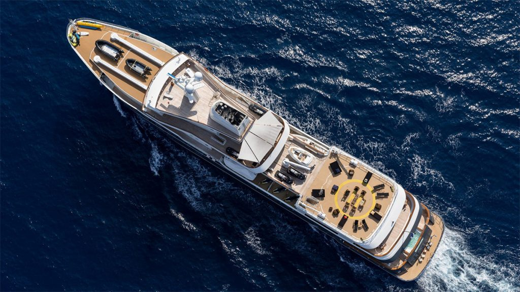 yacht legend explorer yacht 201610 running 02 58106bd54b8e2 v default big