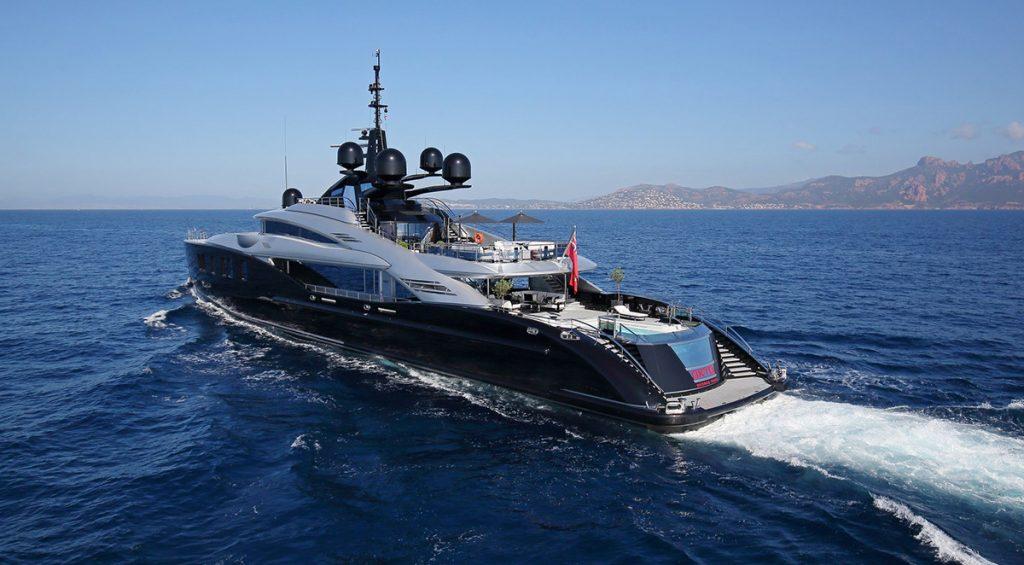 yacht okto 201707 running 02