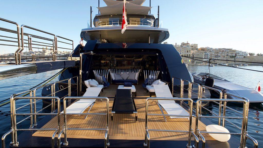yacht sarastar 201802 exterior 04 5a7ac7ac69973 v default big