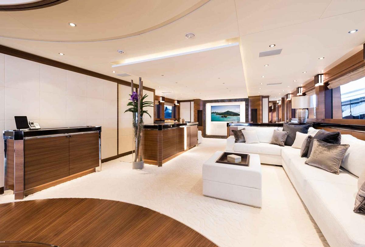 yacht silver wind lo 11 55f58887df560 v default big 1