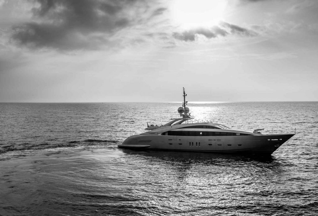 yacht silver wind lo 12 55f5888e34734 v default big 1