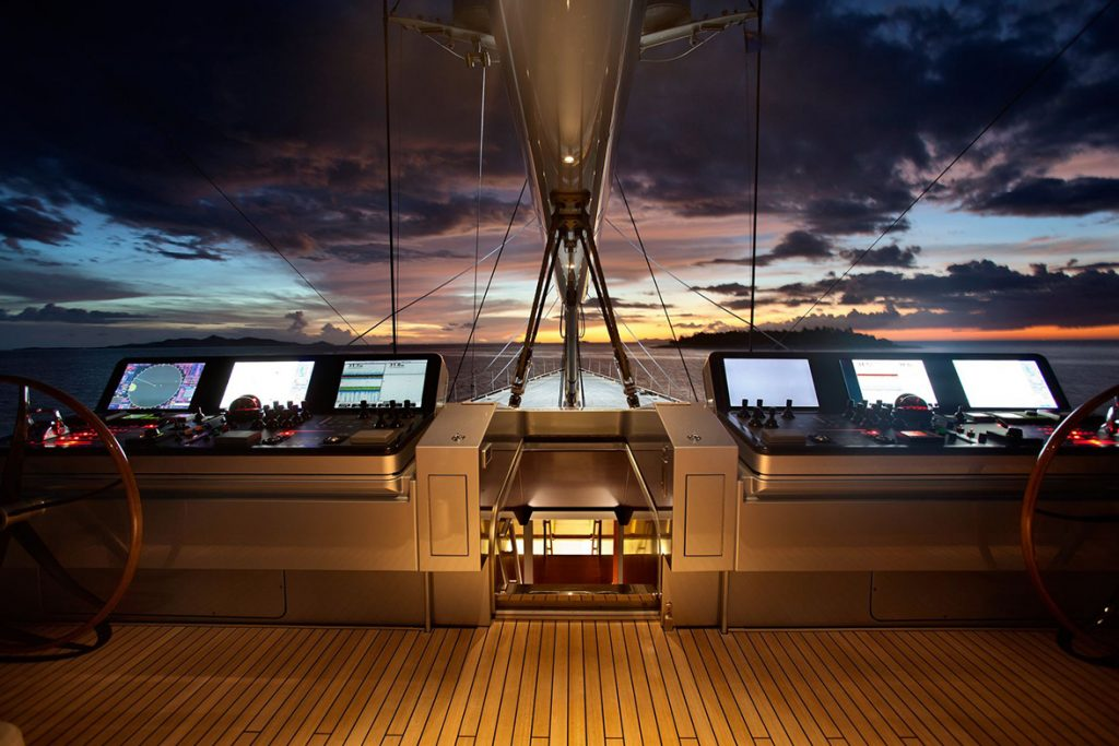 yacht vertigo exterior 10 554c9707f40ff v default big