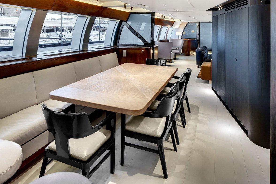 yacht vertigo interior 03 554c97448ddfc v default big