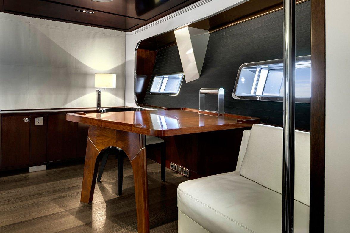 yacht vertigo interior 05 554c976742991 v default big