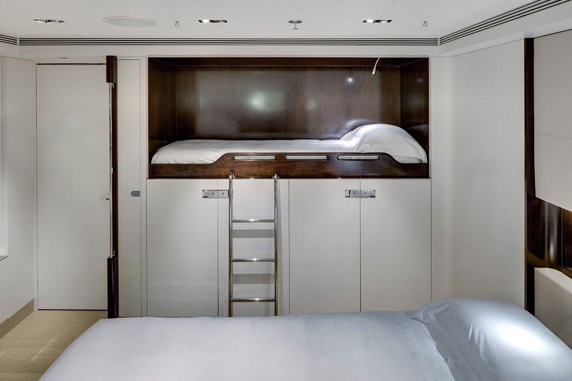 yacht vertigo interior 11 554c97f74aaac v default big