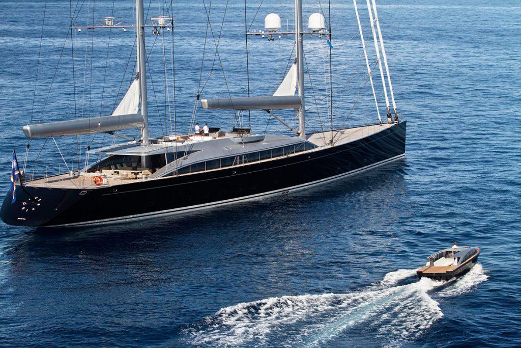yacht vertigo running 05 554c993d527a6 v default big