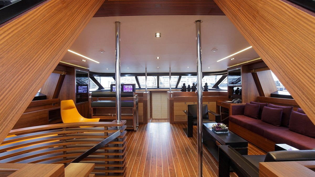 yacht state of grace interior 02