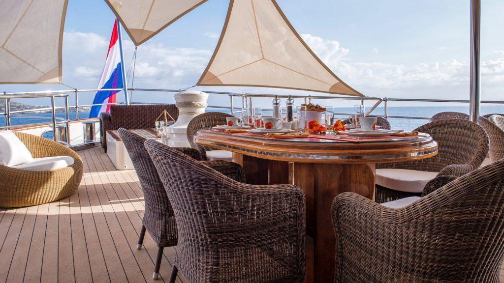 yacht sherakhan 01 5abcae68db6c6
