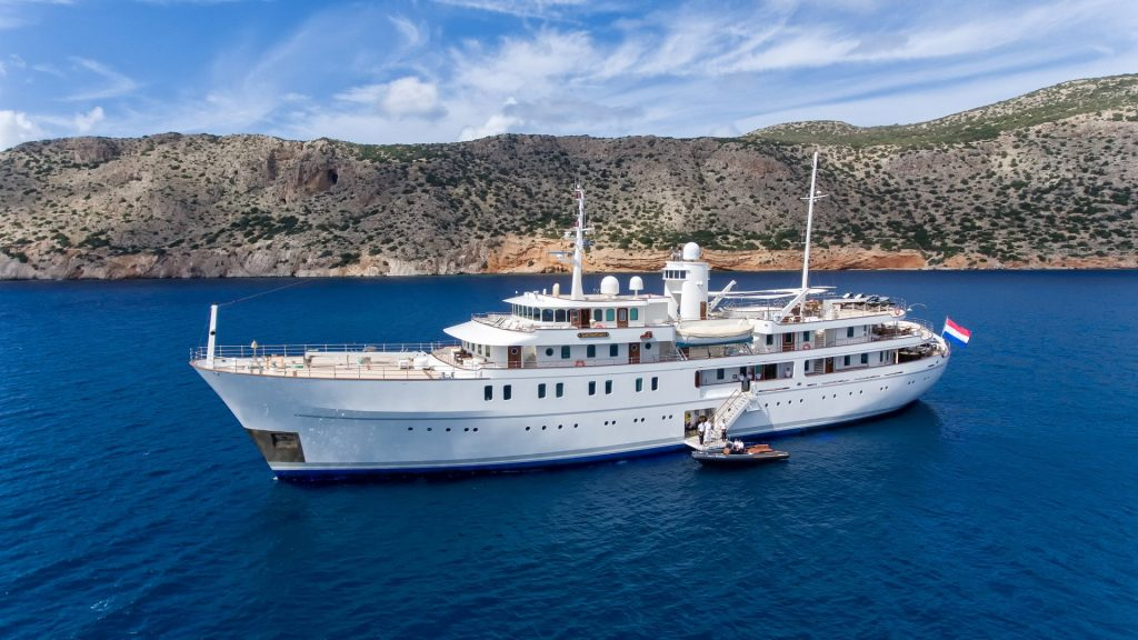 yacht sherakhan 10 5abca66e425f6