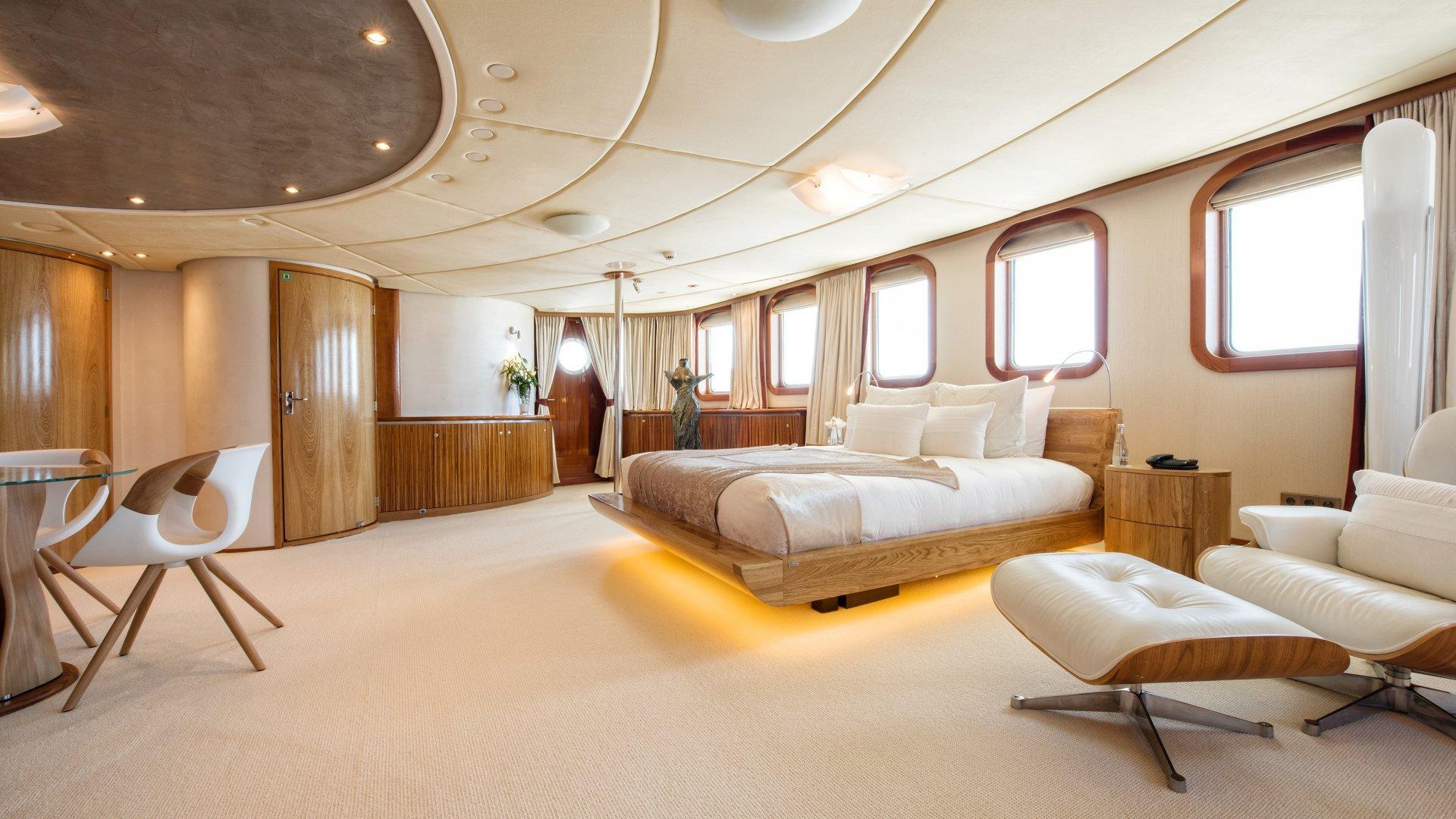 yacht sherakhan 11 5abcad206a61e