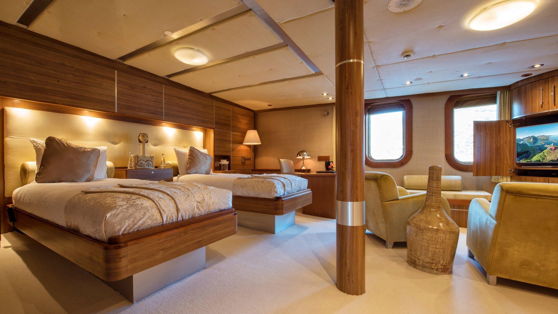 yacht sherakhan 26 5abca76a2d998